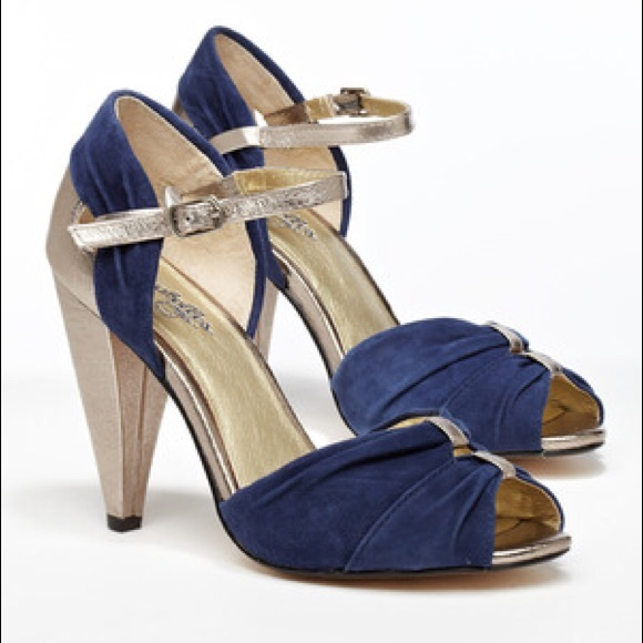 Seychelles Shoes - Seychelles Little Owl navy suede and silver heels